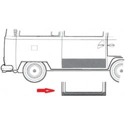 Chapa de reparación de bajo de puerta lateral interior 68-