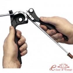 Util para plegar tubo rigido de freno