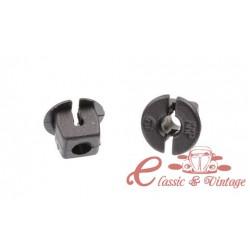 Clip, parrilla de radiador, superior (2 piezas)