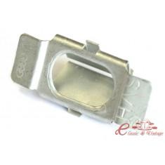 Clip carroceria para fijación de calandra (3 por vehiculo )