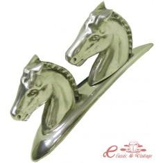 Motivo de capot 2 cabezas de caballo cromadas 2cv